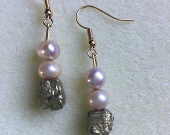 DesignsbyKiko Freshwater Pearl & Gold Earrings