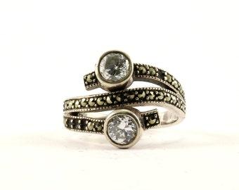Vintage Two Cristal Design Marcasite Ring 925 Sterling Silver RG 1906
