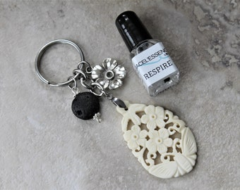 DIFFUSER KEYCHAIN with carved bone and essential oil, diffuser keychain, gift set, carved bone charm, gift for teacher, gift for her