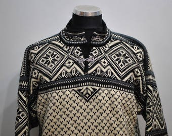 Vintage DALE of NORWAY MEN'S wool pullover , heavy winter pullover............(080)