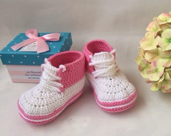 Crochet sneakers Little baby shoes Pink booties Baby boots Baby sneakers Crochet boots girl Pram shoes Crochet baby booties Baby booties