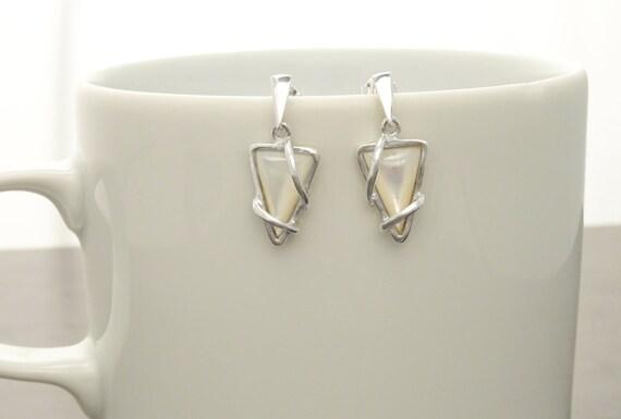 Small, MOP, Silver, Earrings, Triangle, 925, Sterling Silver, White, Shell, Modern Style, Unique, Filigree, Trending, Boho earrings,