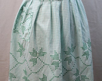 Vintage Apron - Green Gingham Hostess Apron with Pocket - Gingham Cotton - 1950s Vintage ~ Completely Hand Stitched - Beautiful!