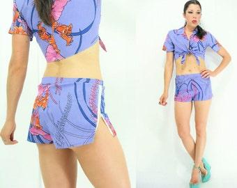 80er Jahre Vintage SET passender lila Hawaiian Floral Print Crop Top + Shorts Set / 2 Stück Outfit / Side Zip High Waist shorts