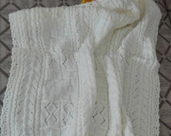 Hand knitted blanket and pillow BL200