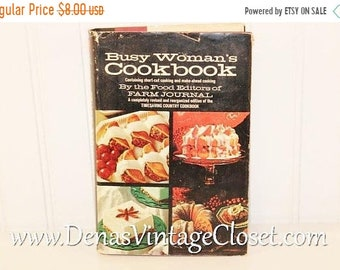 30% Off Memorial Day Sale Vintage 1970's Busy Woman's Cookbook by the Editors of Farm Journal Timesaving Country Cookbook