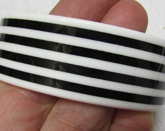 Vintage white and black striped layered Lucite ? cuff bracelet size medium