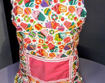 Pink cupcake Apron, Women apron; Delantal de cupcake