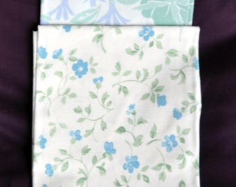 2 fat quarters from 100 % cotton vintage sheets. Baby blue, green and white.