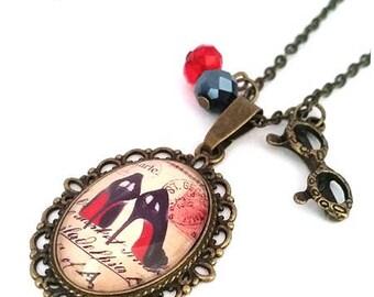 Moulin Rouge necklace • • • Vintage Cabochon Bronze