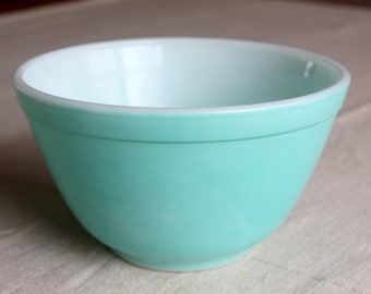 Vintage Pyrex Aqua Turquoise Mixing bowl #401 used wear