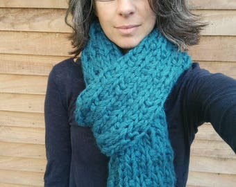 Teal chunky big knit scarf