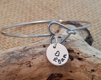 Mom Bangle Bracelet - Grandma Bangle Bracelet - Heart Bangle - Personalized Bangle Bracelet - Custom Bracelet -Charm Bracelet - Grandma xmas