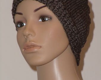 Dark brown slightly shiny knitted Cap