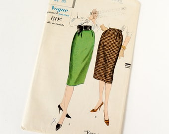 Vintage 1950s Womens Slim Skirts Vogue Sewing Pattern 9864 Complete / waist 24 hip 33 / Side Pockets