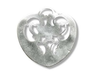 Metal 27mm antique silver heart pendant