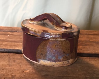 Pottery ring box; pottery jewelry box; ceramic ring box; ceramic jewelry box; jewelry box; small ceramic box