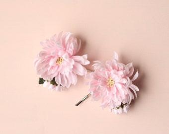 Pink flower hair pins, Floral bobby pins, Bridal hair clips, Pastel aesthetic, Pink bridal pins, Blush wedding, Vintage flower pins, Bridal