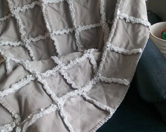 rag rag throw blanket sofa throw, rag throw. 48po by 62 inches made on a single bed.