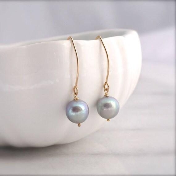 Grey Edison pearl earrings