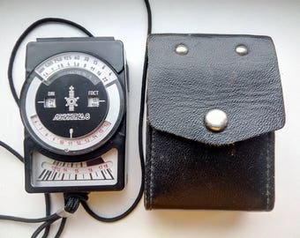 Vintage Leningrad 8 Photo Light Meter  Exposure Meter In original leather box Soviet USSR Lomo 1980 s