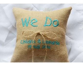 Personalizzato tela nozze anello cuscino, facciamo il cuscino di sposa, cuscino anello, anello portatore cuscino con ricamo personalizzato (R68B)