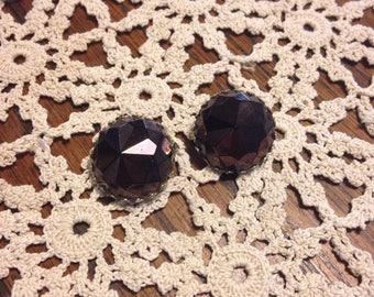Vintage vogue purple clip on earrings 1940s elegance