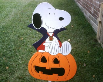 Snoopy Dracula on Jack-o-lantern Yard Art