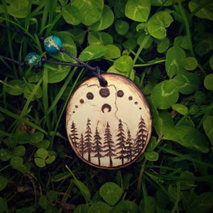 Pyrography Magic moon phase necklace. Moon lovers jewelry forest. Forest witch jewelry Moon necklace pyrography. Magic crescent moon jewelry