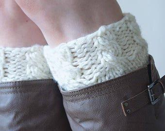 KNITTING PATTERN ⨯ Boot Cuff Knit Pattern, Cable Knit Boot Tops ⨯ Easy Beginner Knitting Pattern, Boot Cuffs ⨯ Fall Fashion Boot Cuffs