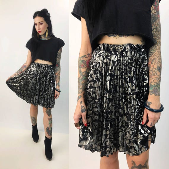 80s Silver & Black Pleated High Waist Metallic Skirt XS - Floral Foil Metallic Printed Shiny Elastic High Waist Retro Party Skirt Size 2