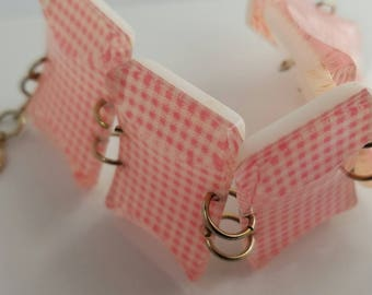 1950's Mid Century Modern Pink Gingham Plastic Linked Square Bracelet