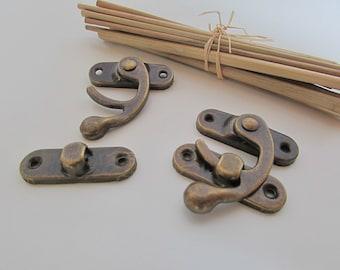 Metal color hook clasp bronze decor box... 3.5 x 4 cm - ref 50.2