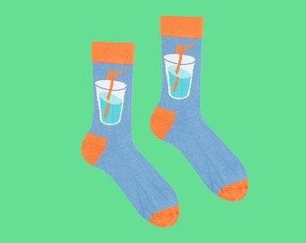Elda chaussettes, boire sur mes chaussettes, chaussettes Blues, verre chaussettes, chaussettes de soude, nuit fille, amusants, chaussettes pour hommes, chaussettes lumineux, chaussettes de femmes