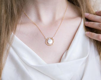 White Pearl Bridal Necklace, Freshwater Pearl Coin Necklace Gold, Elegant Necklace, Mother of Groom Gift, Bridesmaid Necklace, Wedding Day