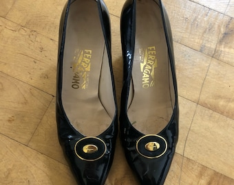 Vintage, Mod leather pumps by FERRAGAMO Black Size 9.5 / 1960's / Good condition