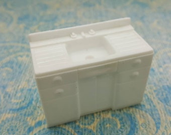 Marx Kitchen  Stove White Hard Plastic Toy Dollhouse Traditional Style