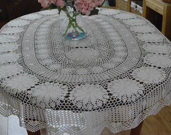 Delicate crochet tablecloth oval, 100% hand crocheted table cover, Vintage style table cloth, lace table topper for home decor ~ OVAL