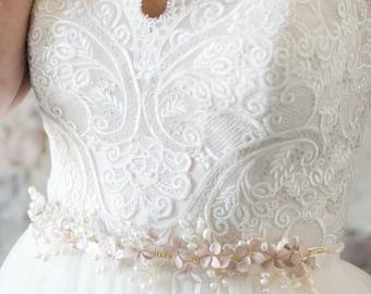 Wedding Sash, Pearl Belt, Bridal Belt, Bridal Sash, Wedding Belt, Pearl Sash, Flower Belt, Flower Sash, Embellished Belt- Style 404- Arwen