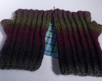 Reversible wristwarmers / fingerless gloves. Hand knitted. Adult or teenager.