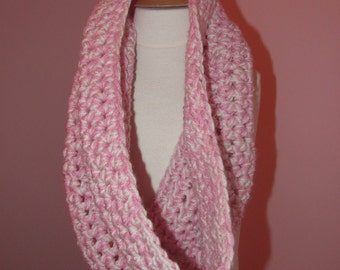 Simple cowl....Strawberries and Cream