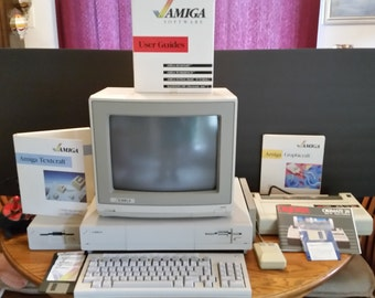 Vintage  Commodore Amiga 1000 System - TESTED and Working! Many Extras!