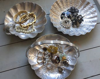 Set of 3 Hammered Aluminum Trays/Dishes - 50's - Vintage