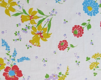 Vintage Sheet - Yellow Daffodil Floral - Full or Double Flat Sheet