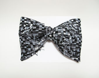 Opt art globe grey and black thistle bow tie