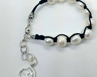 Pearl and Leather Handmade Boho Bracelet - Prima Donna Beads
