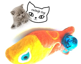 Catnip Fish Cat Toy with Rattle, Needle Felted Cat Toy, Cat Toy of Many Colours, Felt Ornament, Needle Felted Wool Cat Gifts, Cat Lover Gift