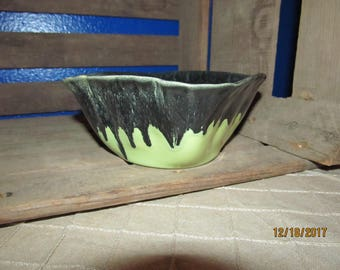 Hoffman Pottery Columbus Ohio Lime Green Black Drip Glazed Pottery Bowl