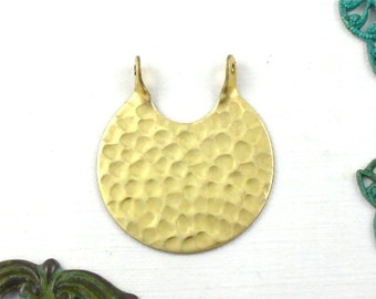 6 CIRCLE hammered jewelry pendant . 26mm x 23mm (S63). Please read description