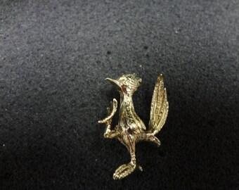 18k Yellow Gold Roadrunner Pin